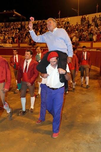 Le ganadero Francisco LOBO de VASCONCELLOS en triomphe !