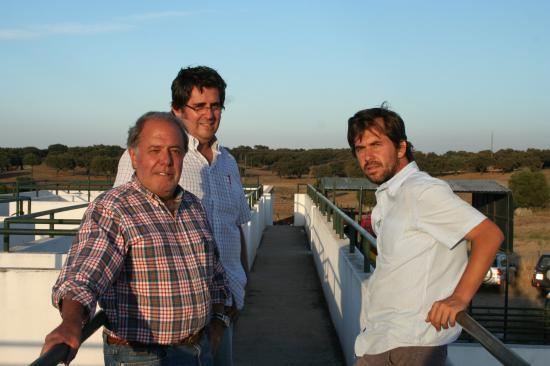 Francisco Lobo de Vasconcellos (Ganadero) Michel Bertrand, Victor Zabala de la Serna (Matador et représentant de l' élévage San