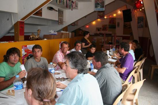 Repas à la Peña, le jour de la Novillada